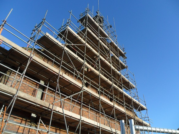 The completed scaffolding (now reaching the bell tower).